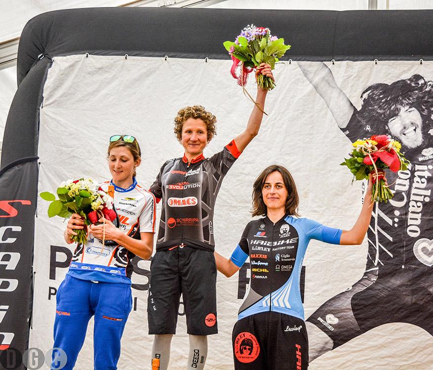 granfondo-del-durello-2016_podio femminile
